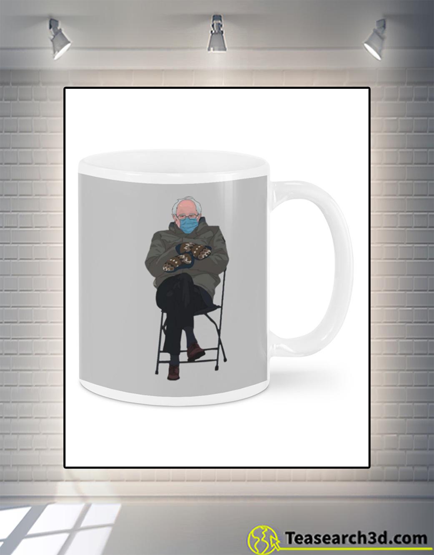 Bernie sanders mittens mug front