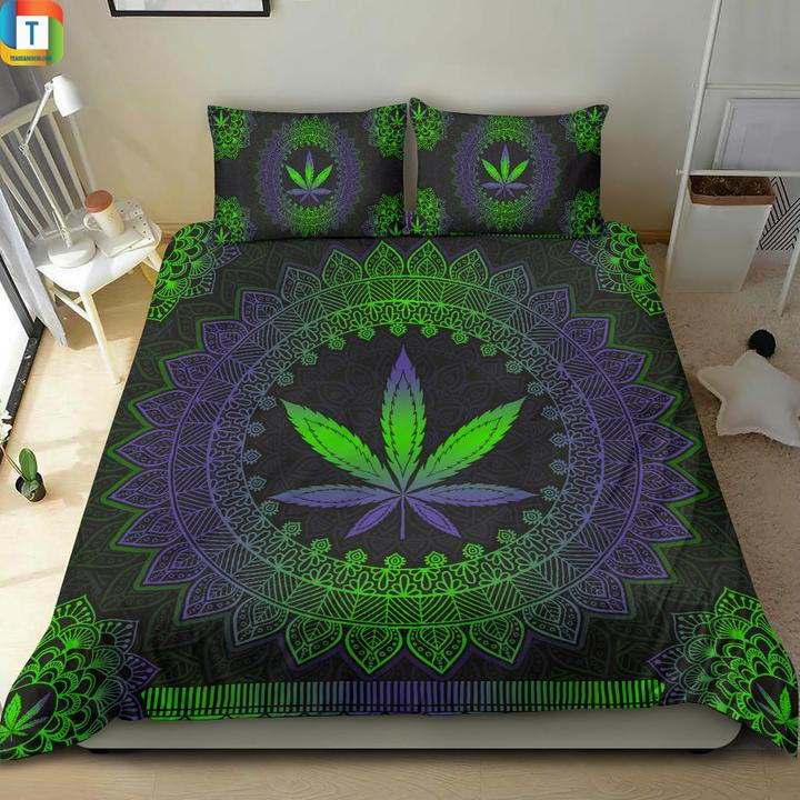 Mandala Leaf Premium Bed Set 2