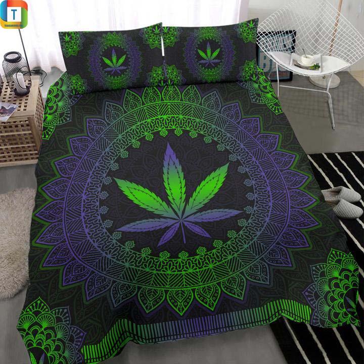 Mandala Leaf Premium Bed Set